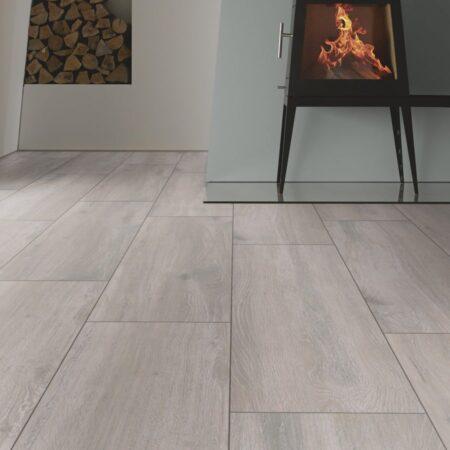 G10 Eg sølvgrå planke